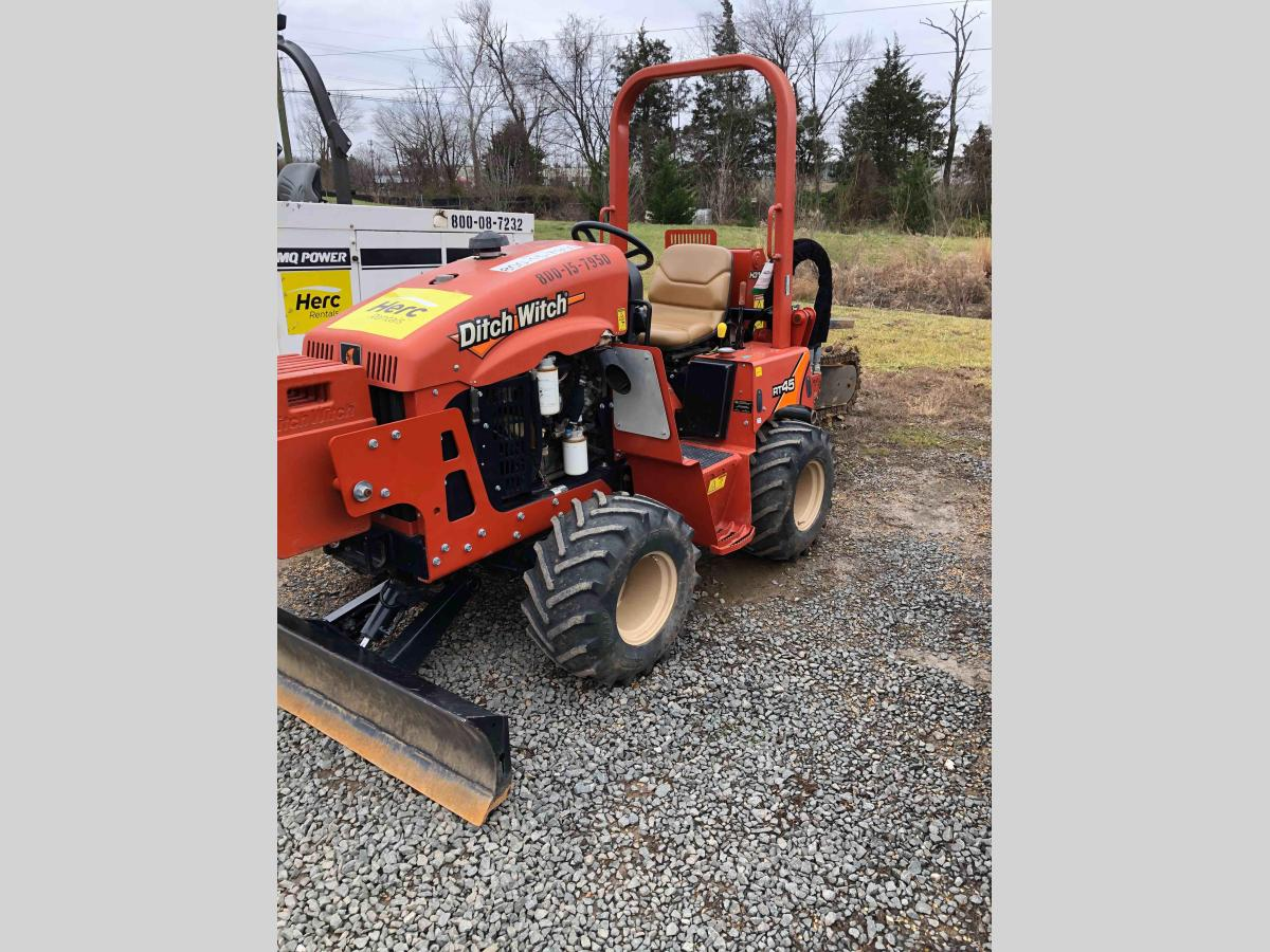2017 Ditch Witch RT45