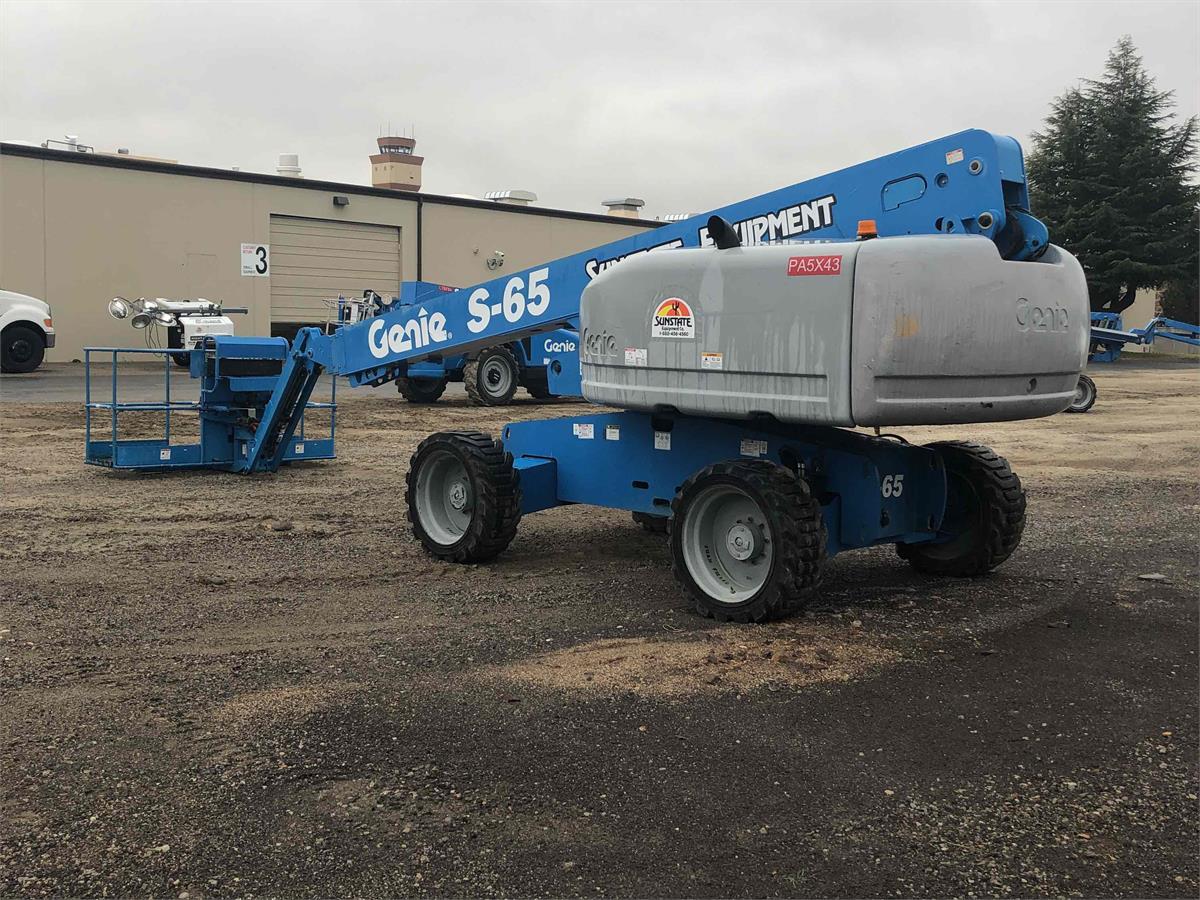 2011 Genie S-65
