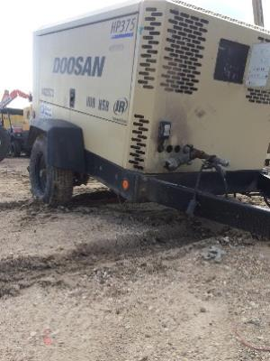 Detail photo of 2012 Doosan HP375WJD from Construction Equipment Guide
