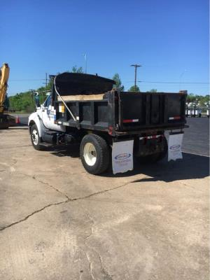 Detail photo of 2011 Ford F-750 from Construction Equipment Guide