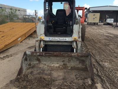 Detail photo of 2011 Takeuchi TL230C from Construction Equipment Guide