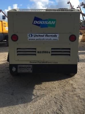 Detail photo of 2014 Doosan P425 from Construction Equipment Guide