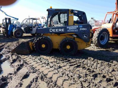 2014 John Deere 318D