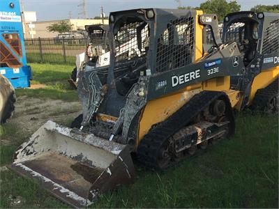 John Deere 323E 2014