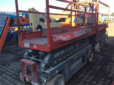 2013 Skyjack SJIII 3220