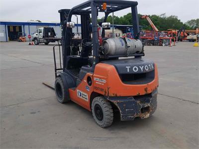 Toyota  8FGU25 2014
