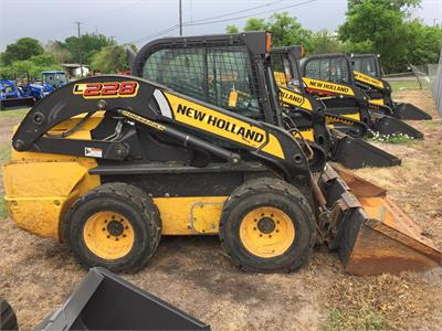 2015 New Holland L228