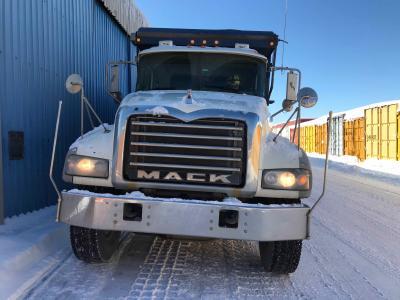 2010 Mack GU713